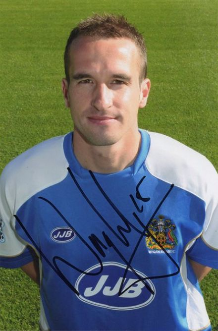 David Wright, Wigan Athletic, signed 6x4 inch photo.